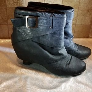 Not Rated black wedge ankle boots 10M